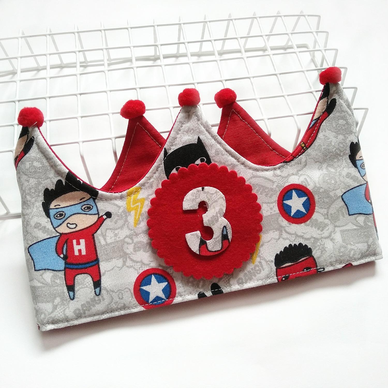 Corona cumpleaños Súper Héroes Rojo